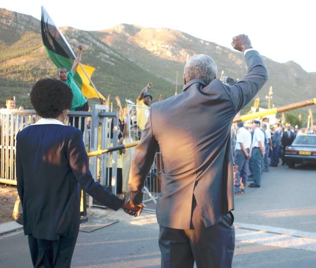 Mandela-Un-Long-Chemin-Vers-La-Liberté-Critique-Image-3