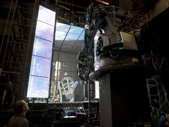 Gravity-Blu-Ray-Test-Lightbox-Image-Bonus-2