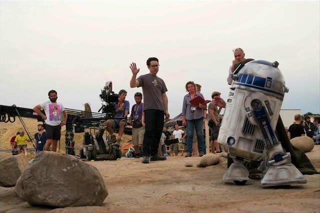 Star-Wars-VII-The-Force-Awakens-Image-2